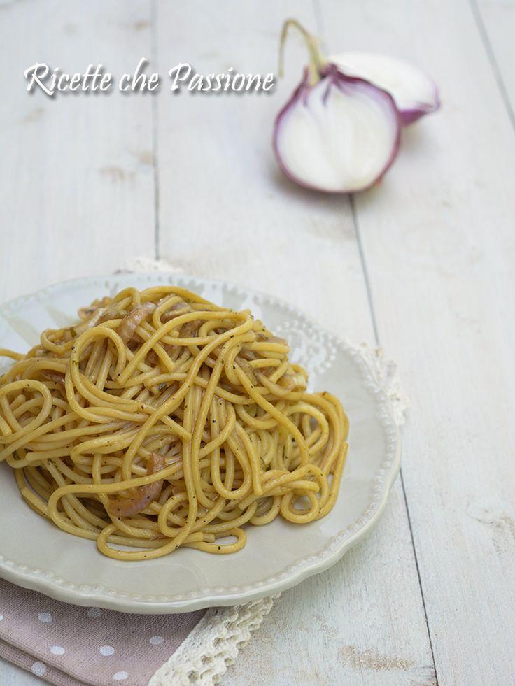 Spaghetti alla liquirizia con cipolla Rossa di Tropea