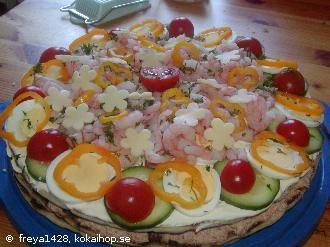 Smörgåstårta med tonfisk och polarbröd