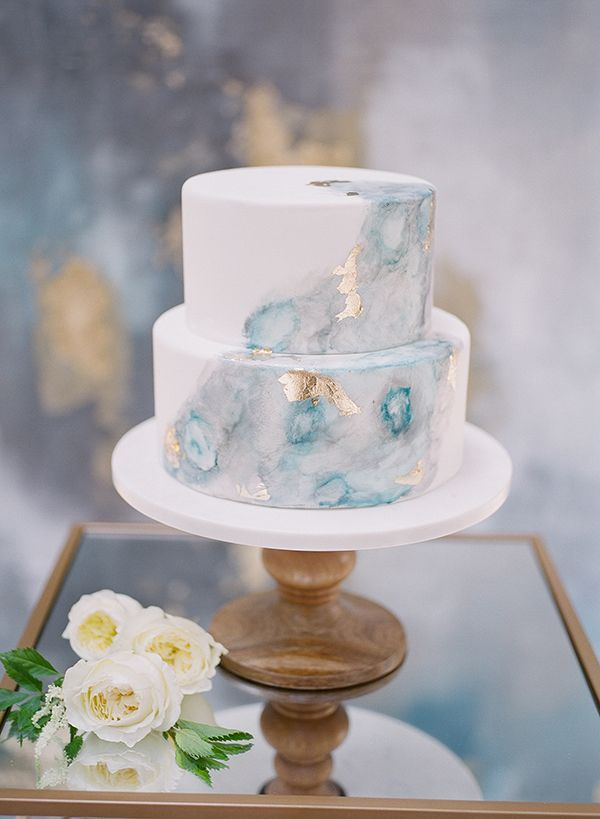 artistic wedding cakes - photo by Jillian Rose Photography http://ruffledblog.com/romantic-wedding-ideas-with-pops-of-jewel-tones #weddingcake