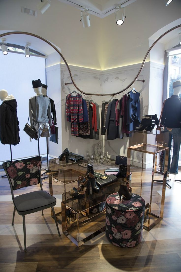 suite43 boutique copper display  vintage chair wood copper gold Noemi Morea interior design