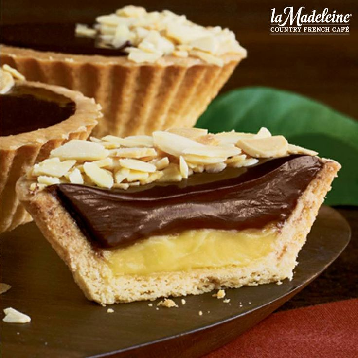 the mini chocolate almond tart filled with delicious vanilla crème ...
