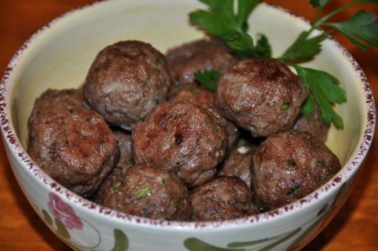 How to Make Keftethes: A Recipe for Savory Greek Meatballs