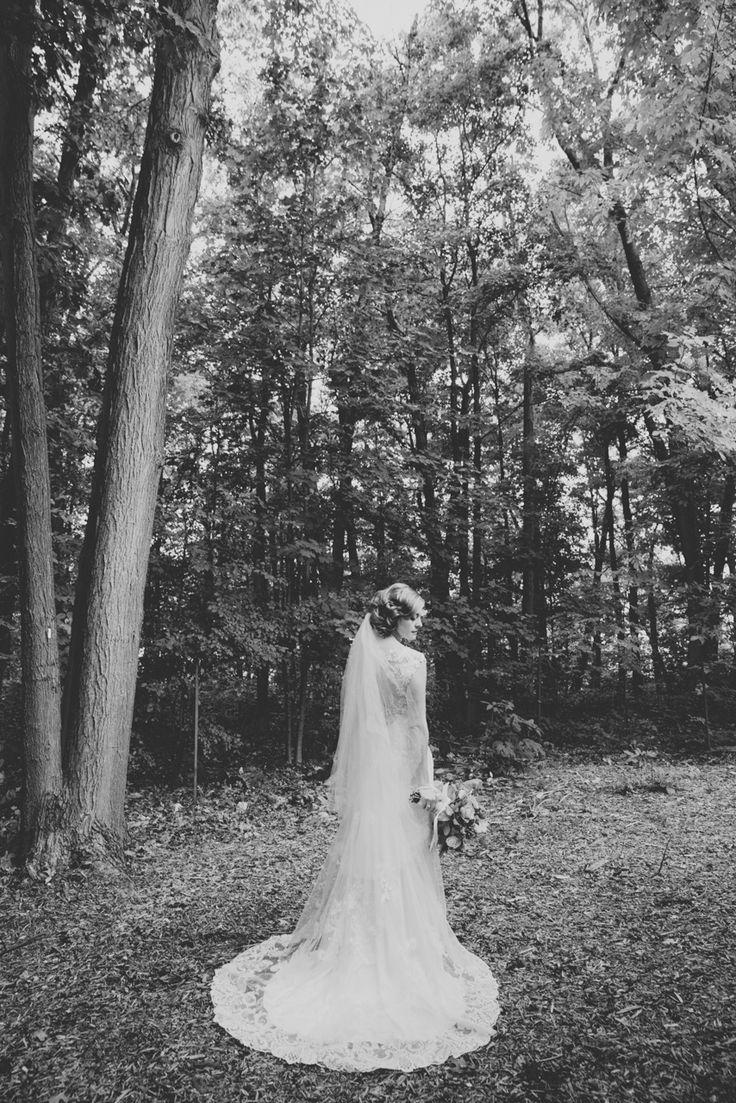 Truth & Tales - Bridal portraits - Niagara wedding - www.truthandtalesstudio.com