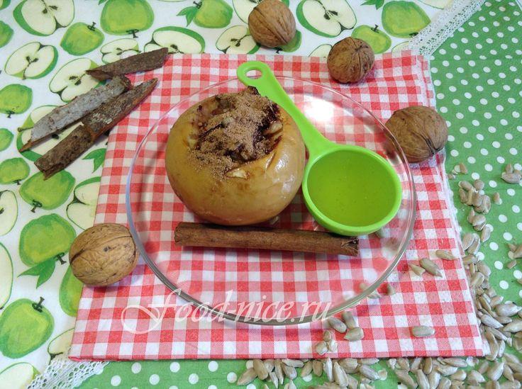 Исключительно натуральные, экологически чистые продукты соединились в простом рецепте десерта из яблок и слив