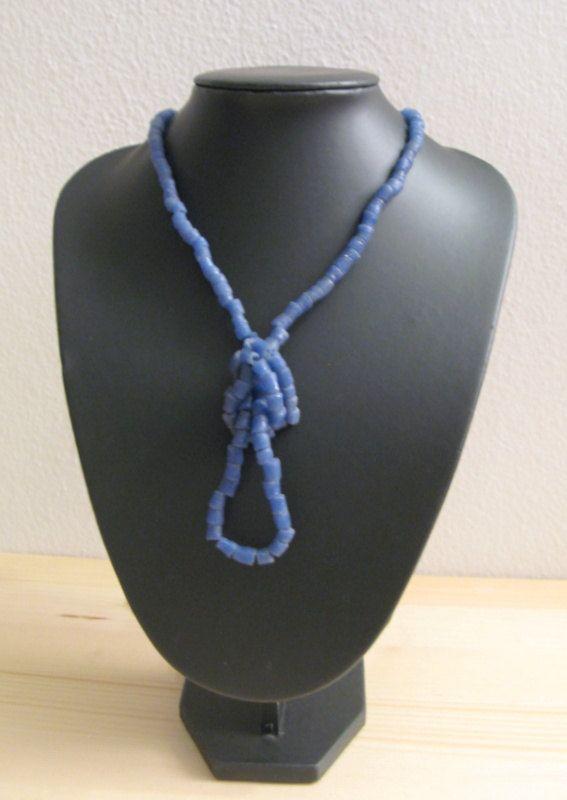 Collana con perle in pasta di vetro anni '70-80 di piccolibijoux