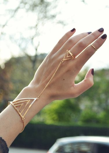 Gold Geometric Hand Chain & Simple Midi Ring