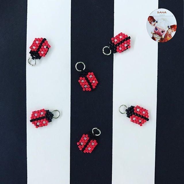 Yeni yıl mutlu,huzurlu,uğurlu olsun🎄🎅🏻 #danaaccessories #miyuki #miyukiaddict #miyukibeads #miyukicharm #charm #uğurböceği #handmade #handmadejewellery #elyapımı #elemeği #kırmızı #ladybug #happynewyear #2017 #yeniyıl #iyiseneler