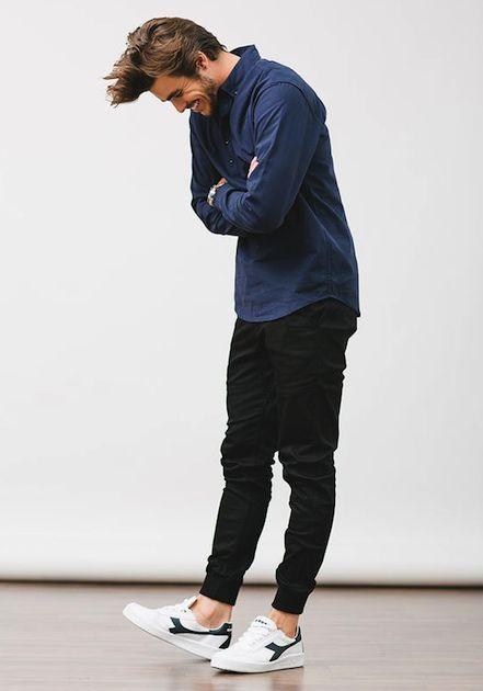 ジョガーパンツにデニムジャケットを合わせたメンズ着こなしスナップ