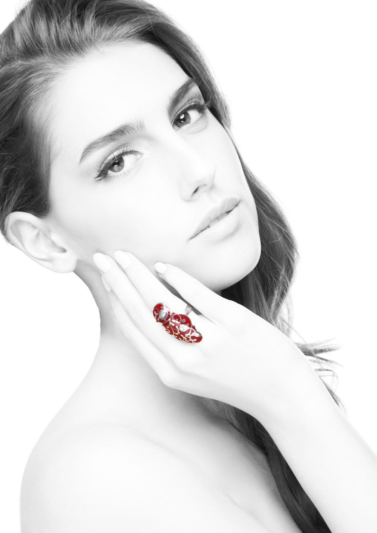 Edua ring cherry. The perfect gift for Christmas... Available in stock! :)