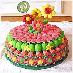 Desde el Bierzo, Yeni contacta con Bunyols de la Iaia para hacernos un encargo muy especial: una tarta con la que festejar el 50 cumpleaños ...