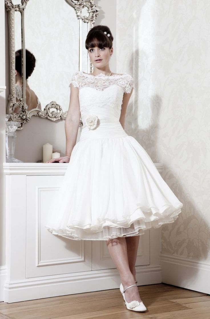 14 best 50s images on pinterest wedding dressses tea length vintzs 50es vek stlus menyasszonyi ruha vintage 50s style bridal gown ombrellifo Choice Image