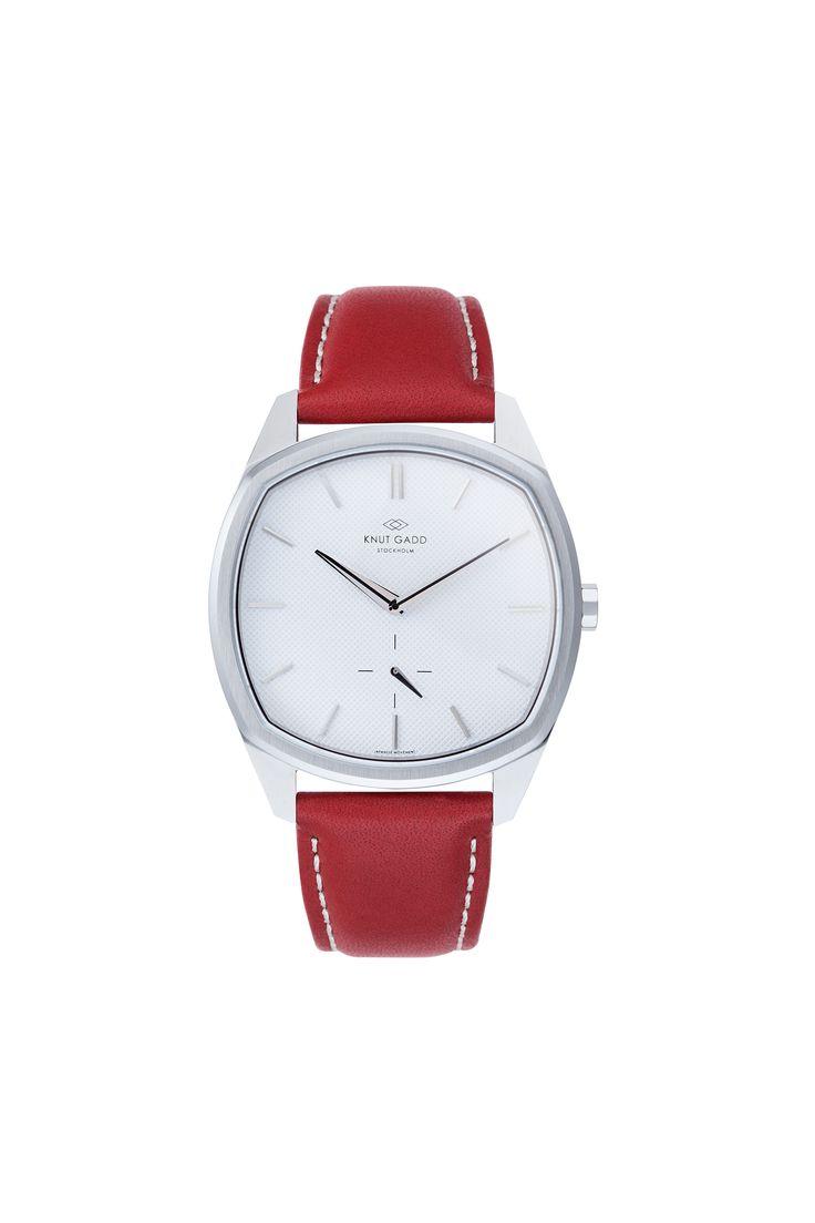 #knutgadd #knutgaddstockholm #watches #redleather #silverwatch #fashion #wristwatch  #wristband #style