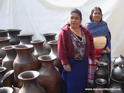 Artesanas Michoacanas de Cocucho creadoras de Arte Popular Mexicano
