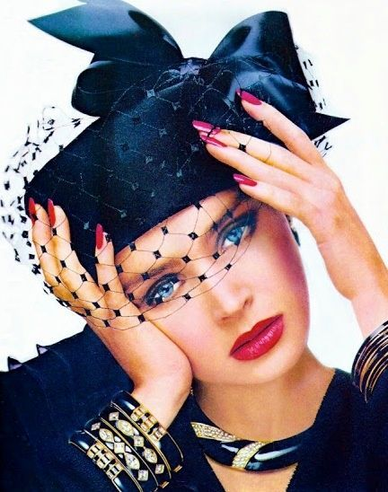 Essence of a woman - fascinator . . #hats . . #millinery