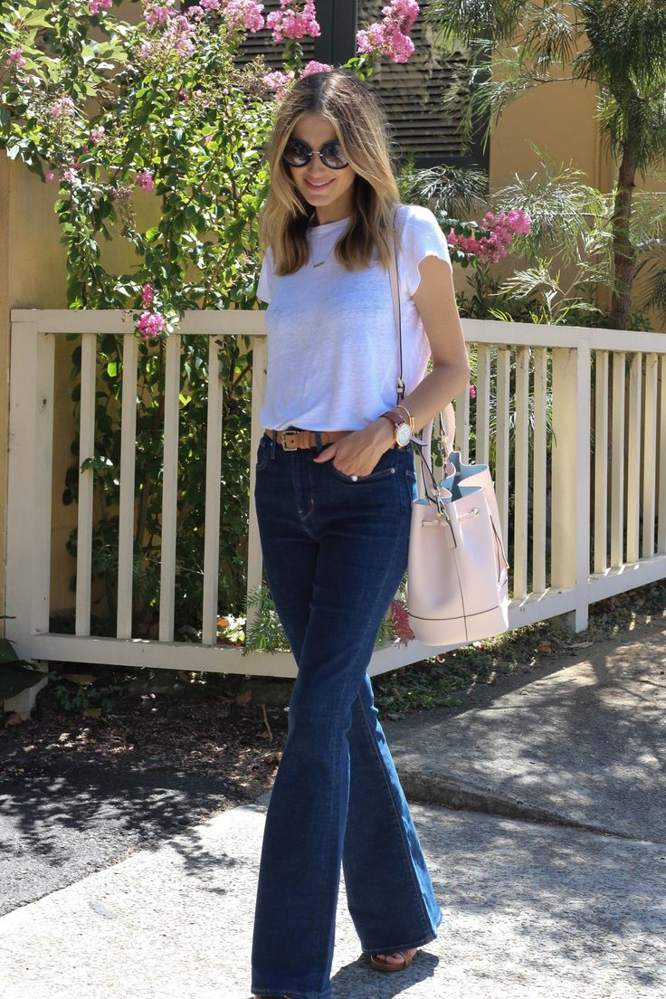 Kate Waterhouse.. Jac and Jack tee, Levis jeans, Wittner heels, the Daily Edited tote, and Miu Miu sunglasses.. #stylethebump