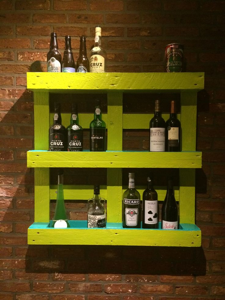 Diy palet bar. Easy peasy. Sand a palet down, paint, screw to wall. Done! #diy #palet #bar