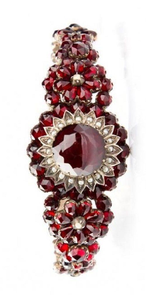 Victorian garnet bracelet