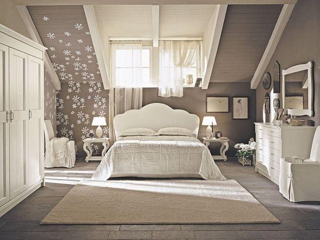 wohnideen schlafzimmer design vintage beige blumen dachdeko