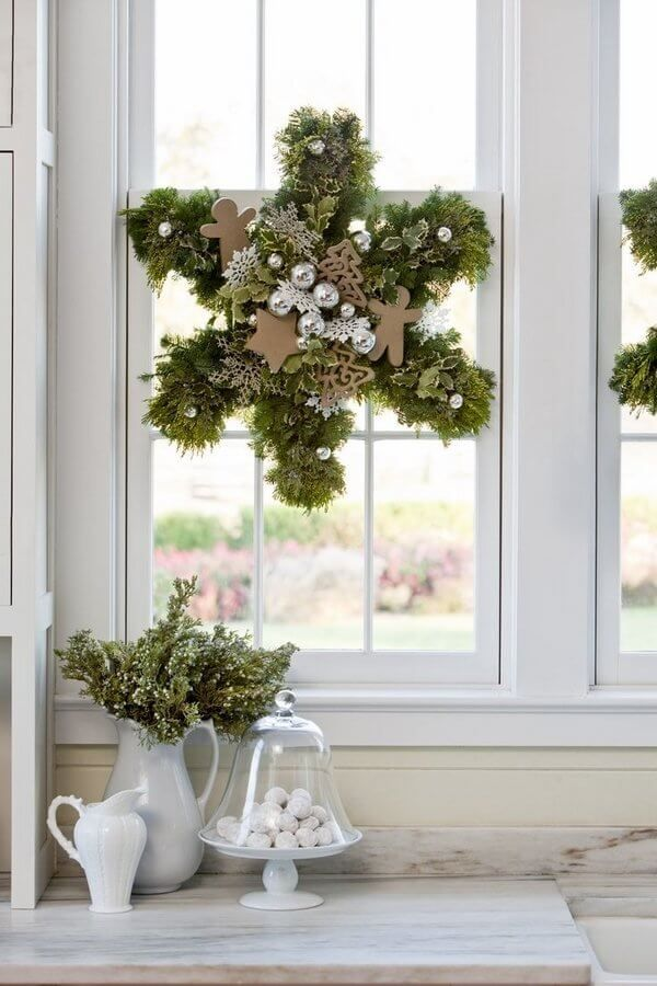 Magnificent Christmas Window Decorating Ideas