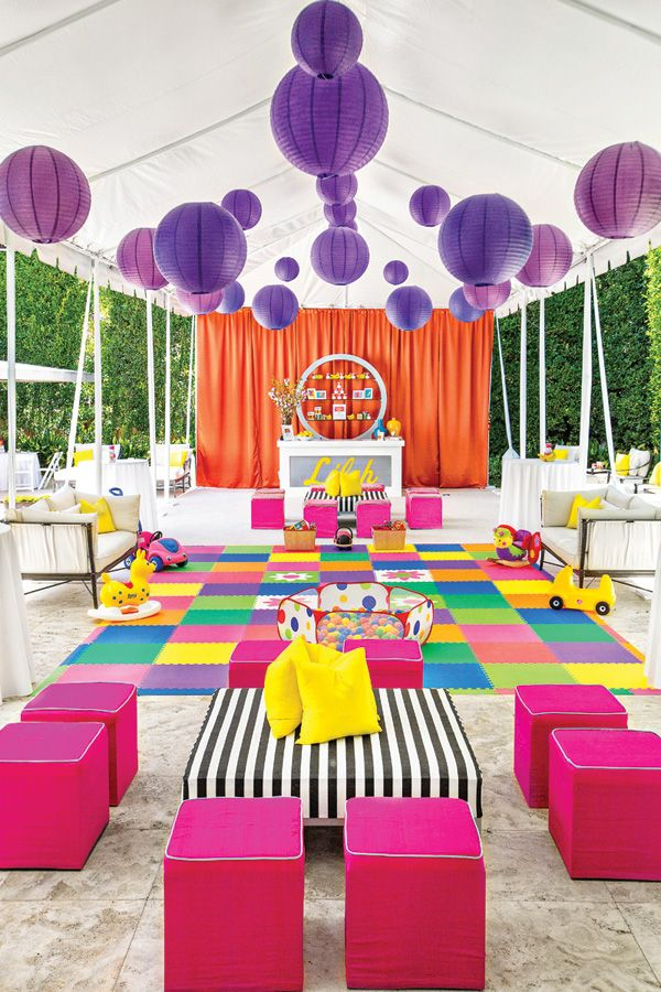 LOVE this bright and fun play area for a birthday party!