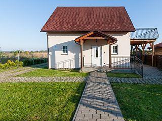 Ferienhaus mit Blick aufs Wasser/Terasse/Balkon/Heimkino/WLANFerienhaus in Insel Wolin - Miedzyzdroje von @homeaway! #vacation #rental #travel #homeaway