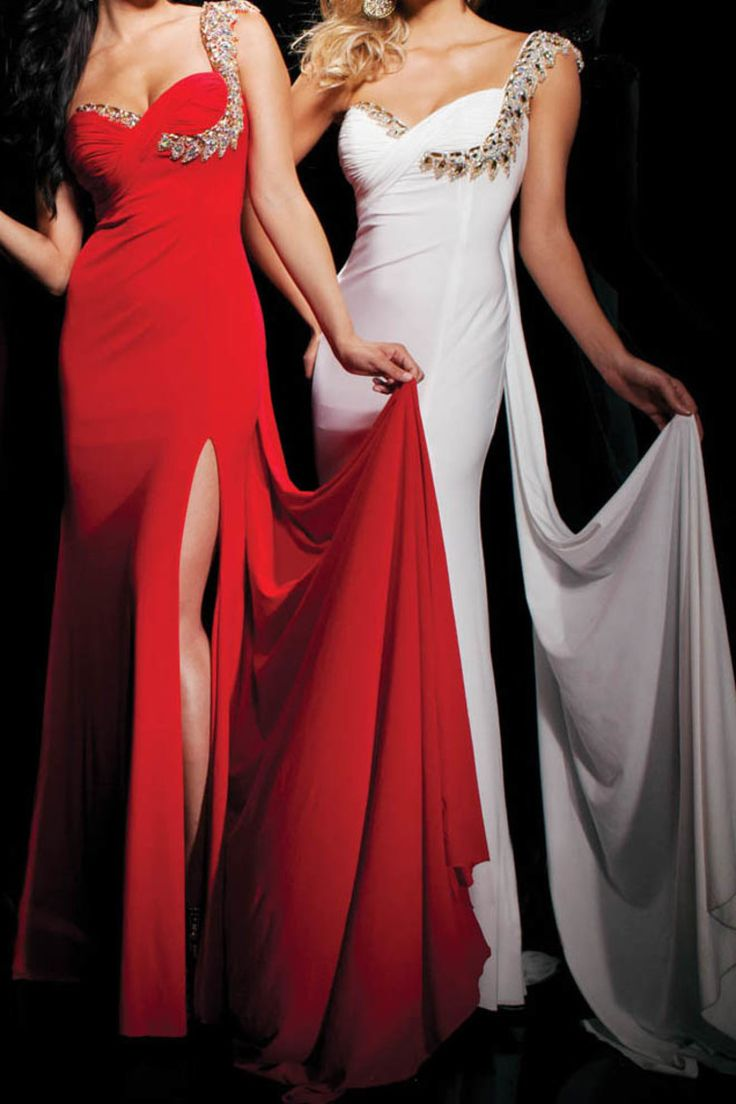 214 best Revealing and Sassy Gowns images on Pinterest ...