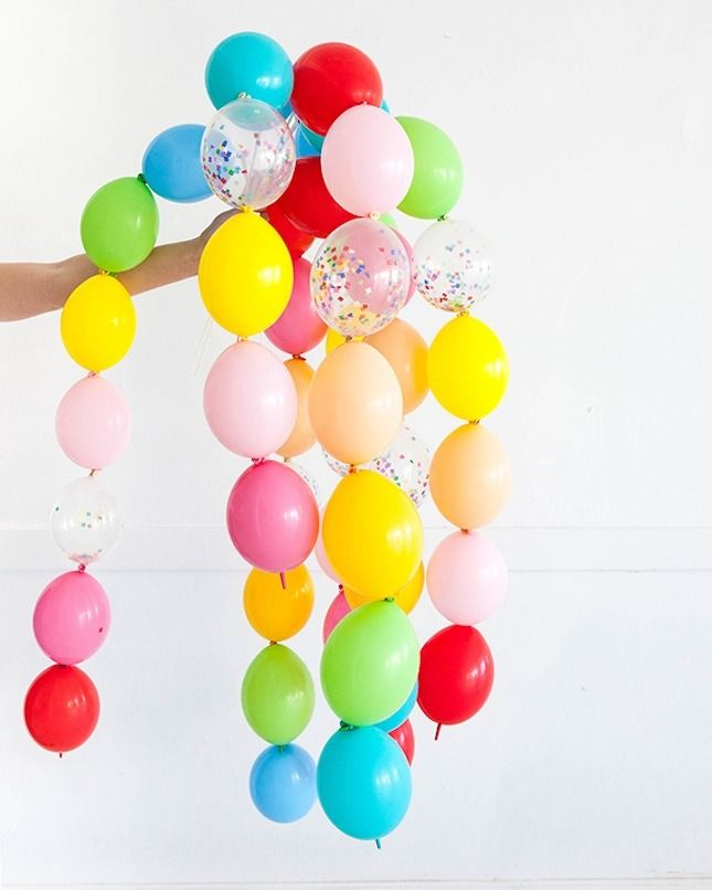 Things don't get much more magical than ballon wands! Loving this playful party idea.
