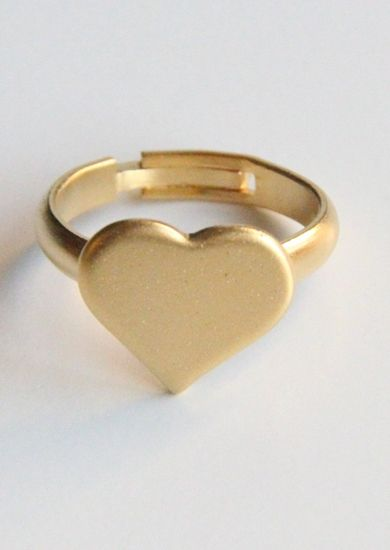 $11.29 for this gorgeous gold heart ring - free shipping included! #jewellery #hearts #rings #gold #fashion #accessories