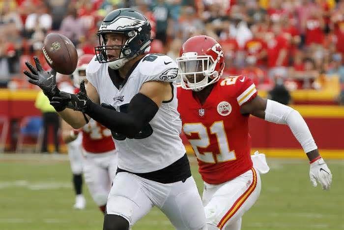 Eagles TE Zach Ertz to play vs. Broncos