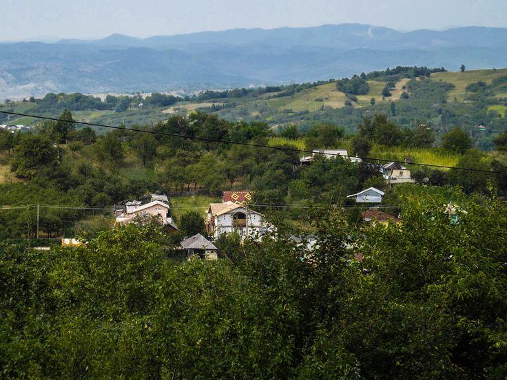 Fotografiile lui Aurelian: Dealuri si munti - Poiana Cristei, judetul Vrancea...