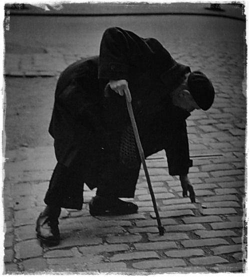 From the book OKÄNT PARIS / Tore Johnson (photos), Ivar Lo-Johansson (text) * Stockholm (1954)