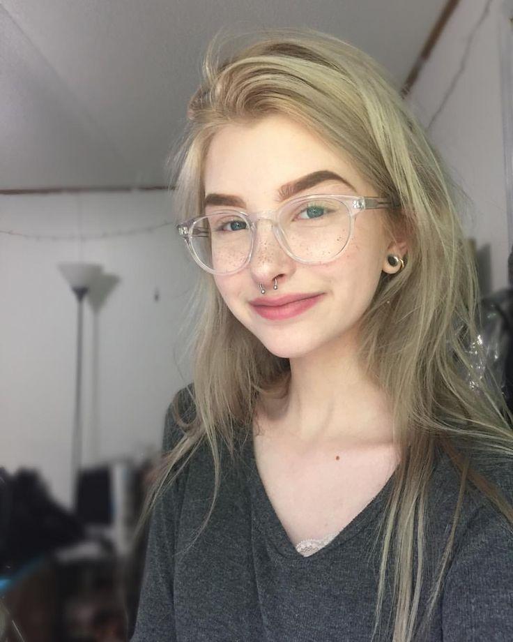 I super duper want those glasses!!!