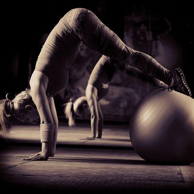 Sculpt & Get Toned at Home: Best Home Gym Equipment http://weightlossandtraining.com/best-home-gym-equipment #fitness #workout