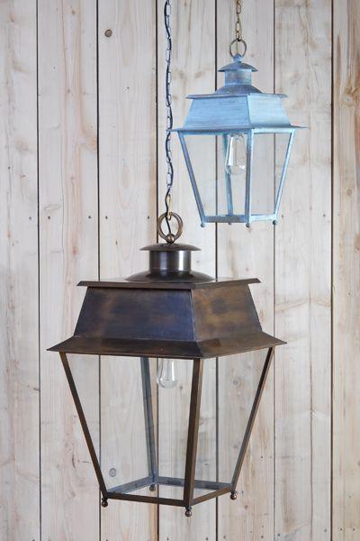 Lanterne d 39 ext rieur suspendre sous potence sur for Lampe exterieur a suspendre