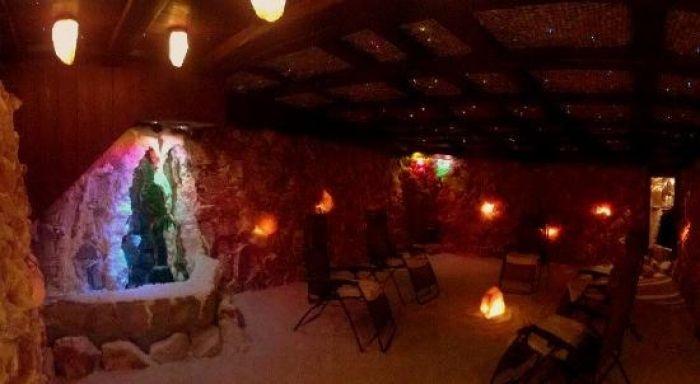 Αναγέννηση στο Αλατοσπήλαιο Γλυφάδας Τετάρτη 28 Ιουνίου 2017