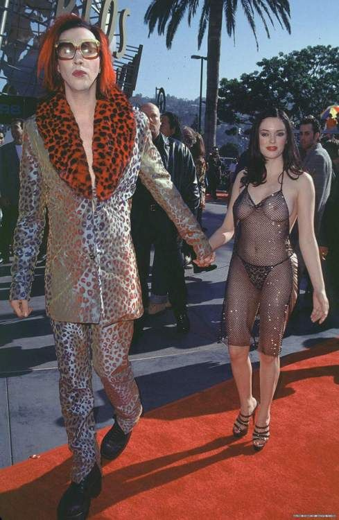 1998 MTV Music Awards  Marilyn and Rose  Wtf moment fa sho