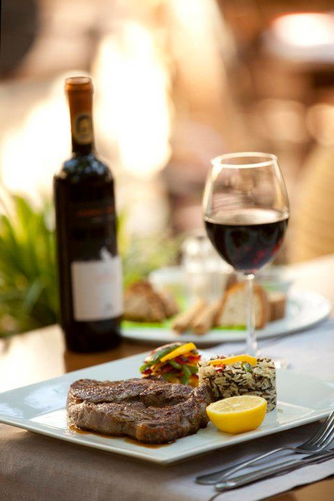 You can feel the essence of Alana Restaurant on the light breeze, you can smell it in the air... http://blog.alana-restaurant.gr/2013/05/the-aroma-of-alana-restaurant/