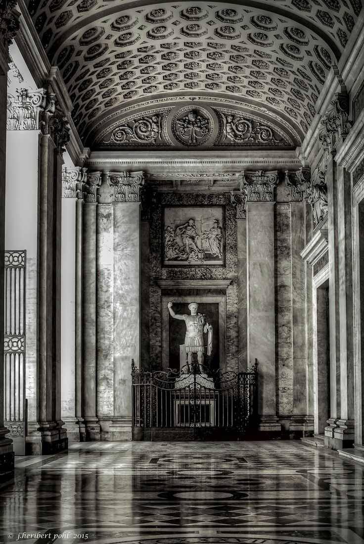 https://flic.kr/p/zRpLTc | Rom, Basilika San Giovanni in Laterano | Die Statue von Flavius Valeries Constantinus( Konstantin der Große) im Portikus der Basilika. The Statue of Flavius Valerius Constantinus (Constantine the Great) in the portico of the Basilica.