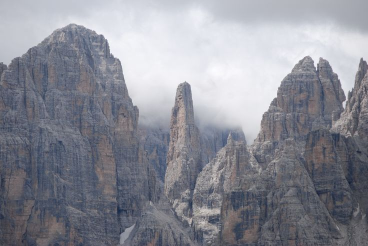 Maestose Dolomiti di Brenta - Campanil Bas