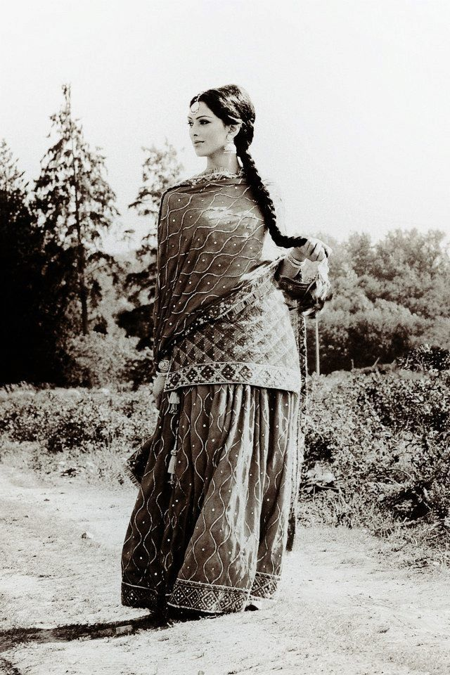 punjabi bride, black and white, classic inspiration