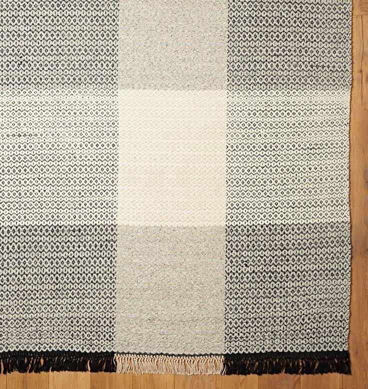 Awesome Plaid Flatweave Rug
