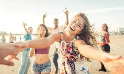 Adolescentes de vacaciones solos: cuándo dejarlos  La adolescencia es una etapa de cambios importantes, de profunda complejidad y conmoción en el cuerpo propio, en la imagen, en el lazo con los padre... http://sientemendoza.com/2017/01/16/adolescentes-de-vacaciones-solos-cuando-dejarlos/