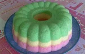 Resep Kue Bolu Singkong, Cara membuat kue bolu singkong http://resepnyakue.com/resep-kue-bolu-singkong.html