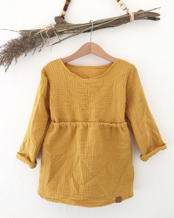 -Musselin Kleid langarm Safran- ??? . . .#girl #girlfashion #musselin #mädchen #momblogger #momblog … #yooying