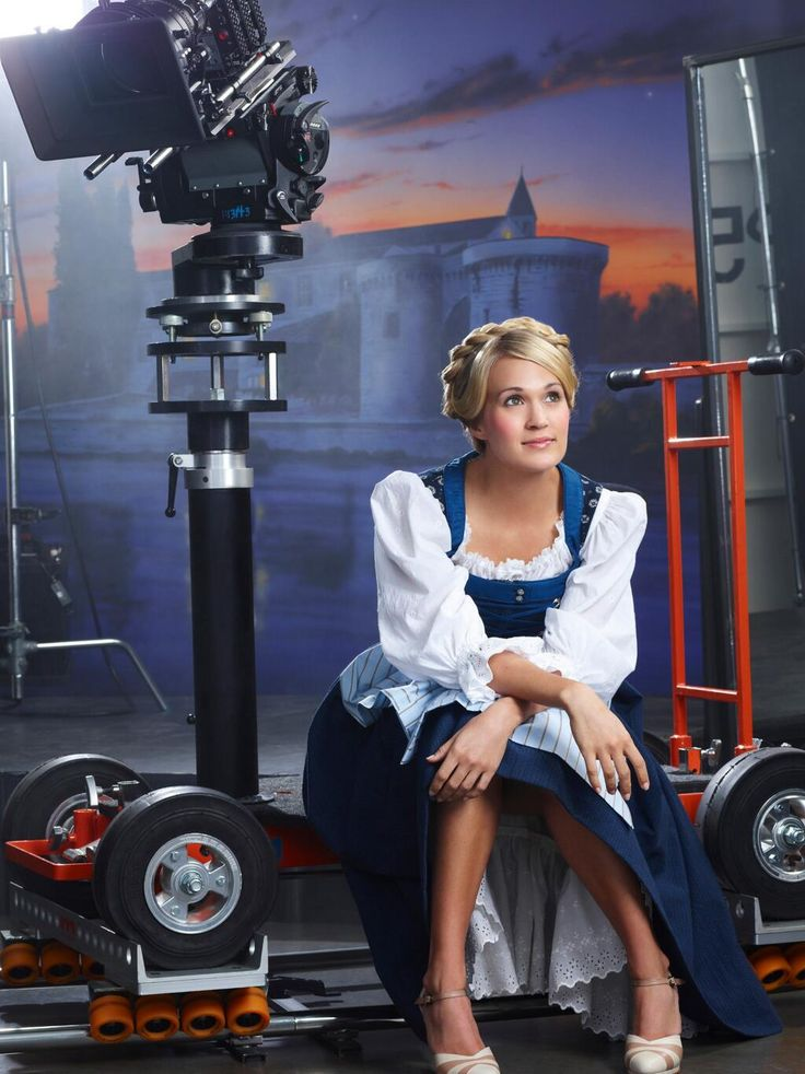 Watch the Trailer for the New Sound of Music, starring Carrie Underwood!