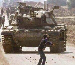 902.gr : Ο συνολικός αριθμός των νεκρών Παλαιστινίων έφθασε το πρωί τηςΠαρασκευήςτους248,καθώς τοΙσραήλεξαπέλυσε χερσαία επίθεση κατά την ενδέκατη ημέρα της επιχείρησής του, στη Λωρίδα της Γάζας. Το Ισραήλ υποστήριξε πως η εισβολή του στη Λωρίδα της Γάζας θα είναι περιορισμένης έκτασης και στόχος της θα είναι οι σήραγγες που σκάβουν ένοπλοι, ενώ δήλωσε πως δεν […]