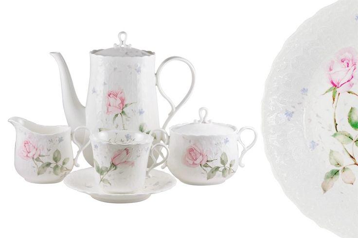 Чайный сервиз из костяного фарфора на 6 персон «Апрельская роза»      Бренд: Narumi (Япония);   Страна производства: Индонезия;   Материал: костяной фарфор;   Количество персон: 6;   Количество предметов: 17 шт;   Объем чашки: 200 мл;   Объем чайника: 0,6 л;   Объем молочника: 175 мл;         Чайный сервиз из костяного фарфора на 6 персон «Апрельская роза» состоит из 17 предметов:         6 чашек 0,2 л;      6 блюдец;      1 чайник с крышкой 0,6 л;      1 сахарница с крышкой…