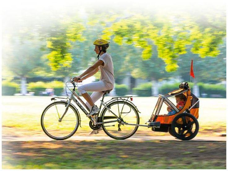 Genitori all'ascolto! Ritroviamo la forma fisica che si addice a questa estate alle porte, con delle sane biciclettate insieme ai nostri bimbi. Con il carrellino da bicicletta Bellelli, che trasporta fino a 2 bimbi, pedaliamo alla grande, ci divertiamo e bruciamo grassi (che non è male). Lo trovate qui ad un ottimo prezzo: http://ndgz.it/carrello-bicicletta-bambini