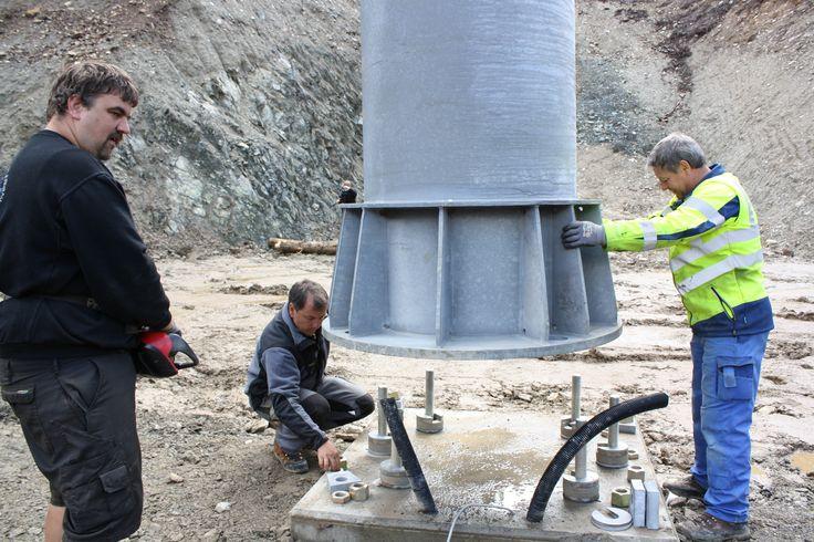 Die erste Stütze steht.   #silvrettamontafon #panoramabahn #http://blog.silvretta-montafon.at/2014/08/erste-stuetze-der-panorama-bahn-gestellt/