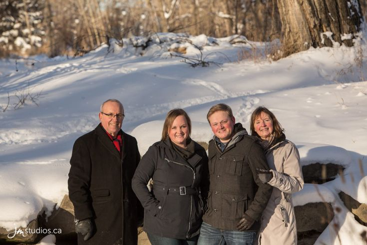 Pointon's #Family Session at Pearce Estate Park. #FamilyPhotos by Calgary Family Photographers JM Photography © 2017 http://www.JMstudios.ca #JMportraits #JMstudios #JMphotography #FamilyPhotography